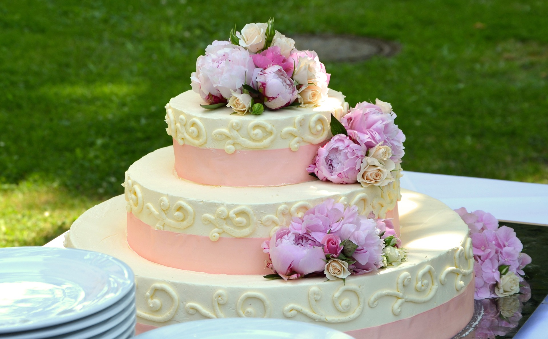 How To Have A Wedding Cake When You Don't Like Fruit Cake